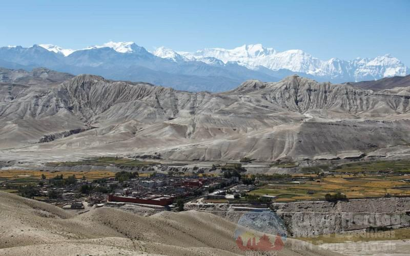 On the way to Lo-Manthang