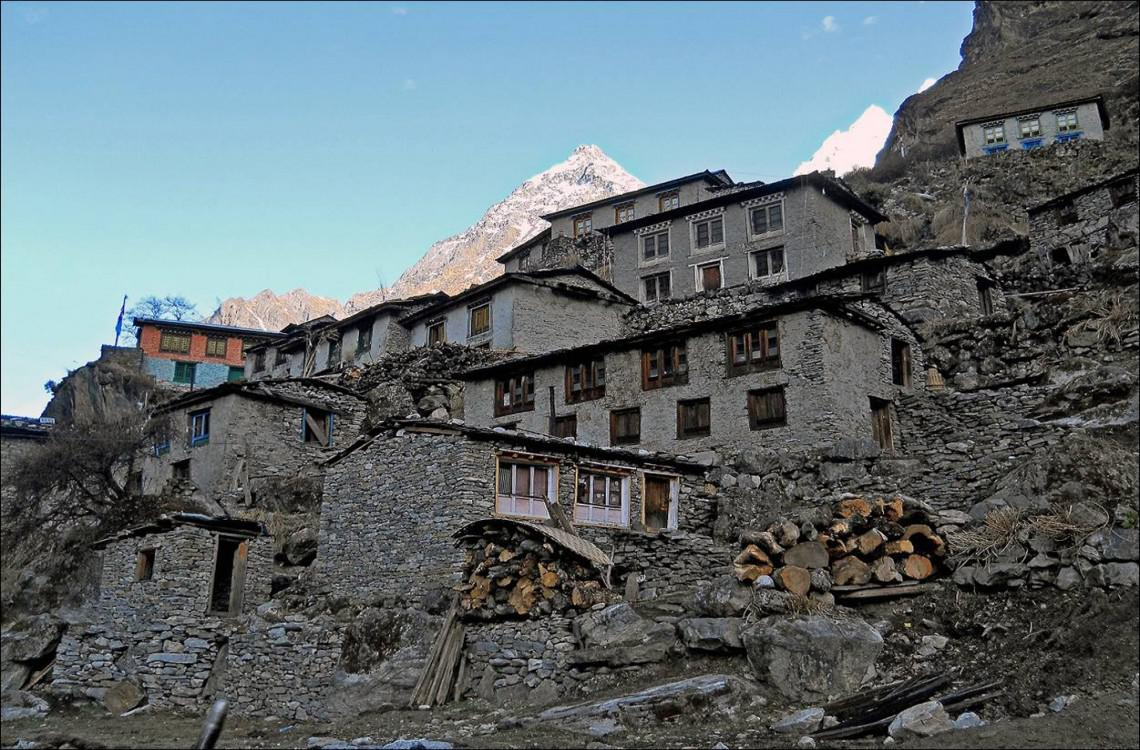 Beding, the main village in Rolwaling valley